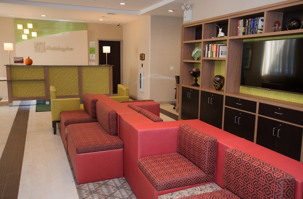 Holiday Inn Staten Island front desk and waiting area with couches
