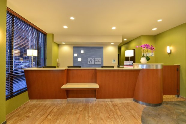 Holiday Inn Express Manhattan Midtown West front desk
