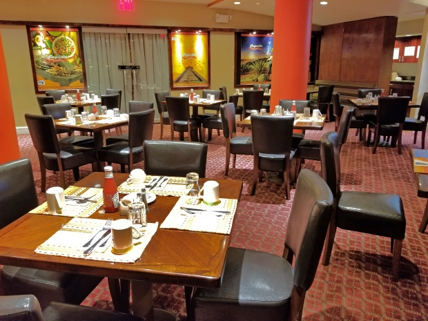 tables set at the the Juquila Kitchen and Bar at the Holiday Inn L.I. City - Manhattan View