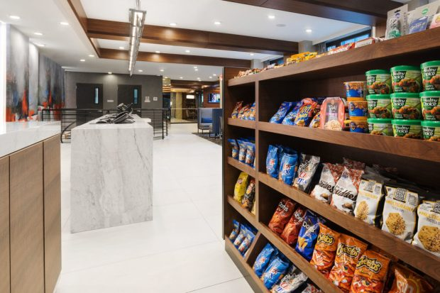 convenience food options in hotel lobby